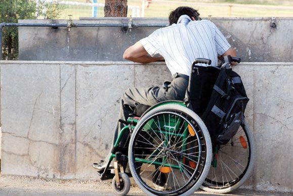 شهر، زندانبان معلولان و سالمندان است