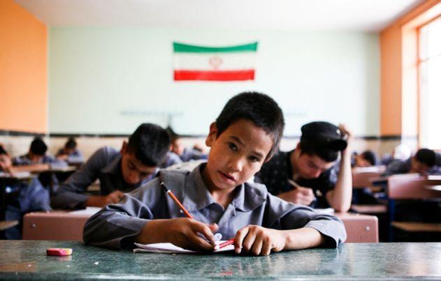 روایتهای متناقض از تنبیه عجیب دانشآموزان یک مدرسه