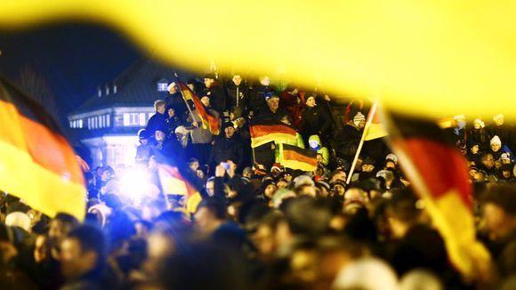 حمله راستگرایان اروپایی به مهاجران
