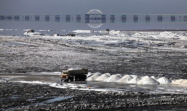 نمک دریاچه ارومیه؛ در چشم مردم، بر سفره بهرهبرداران