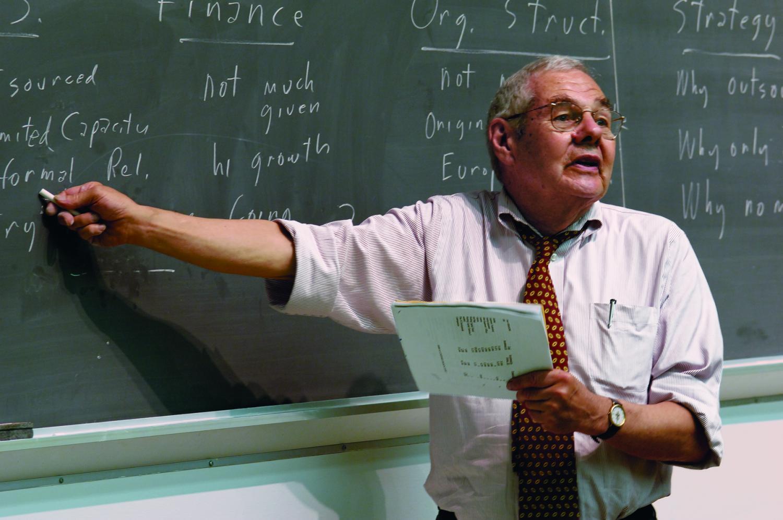 استاد! کسی مقالۀ تو را نمیخواند