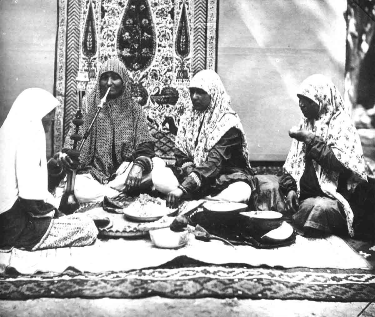 دگرگونی جایگاه زن در پایان دوران قاجارِ؛ ضرورتی که درک شد