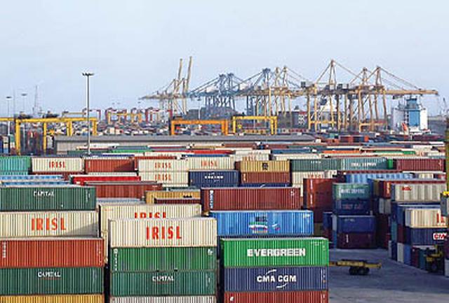 واردات ۴۶ تن رژ لب و ۱۵۰ تن ناخن در دولت دهم