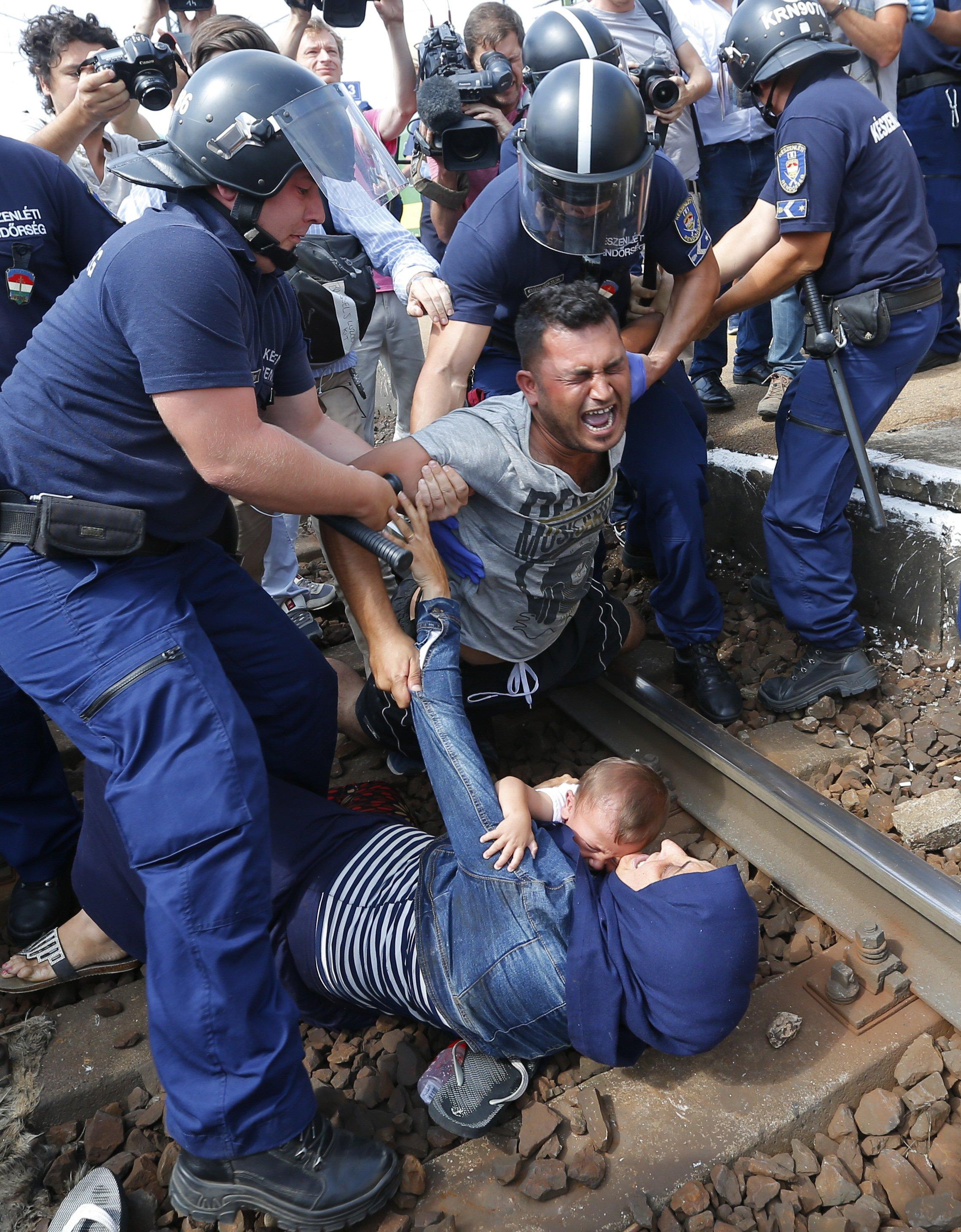 نزدیکی تهران و بوداپست در نحوه برخورد با پناهجویان