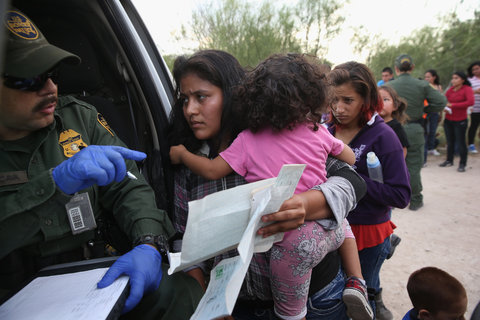 مهاجران تا کجا انسان به حساب میآیند؟