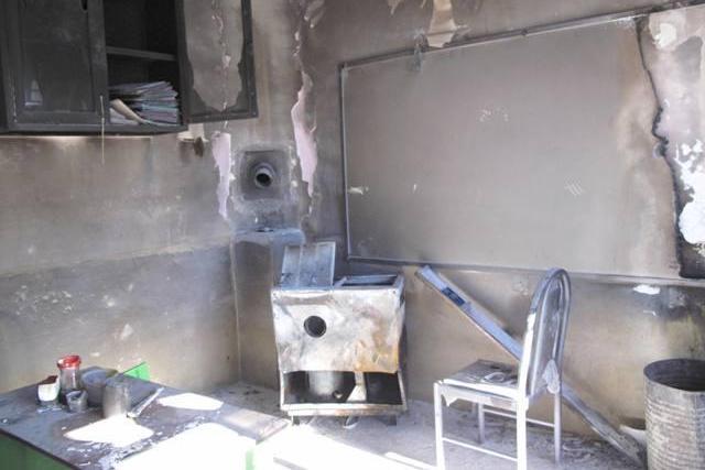 مدرسه کانکسی در آتش بخاری نفتی سوخت