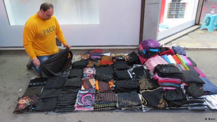 جمعآوری دستفروشان فقط به افزایش بیکاران میانجامد