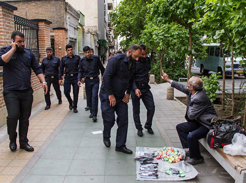 شورای شهر تهران، برخورد با دستفروشان را افزایش میدهد