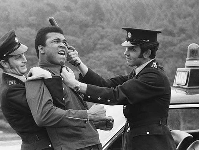 MI+Muhammad+Ali+Irish+police