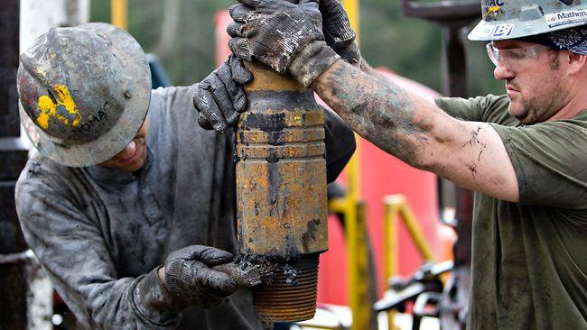 پیشی گرفتن ذخایر نفتی آمریکا از عربستان سعودی و روسیه