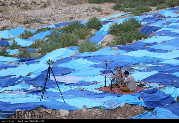 اجرای پرفورمنس آرت «آبی بی آب» در بستر رودخانه خشک شیراز