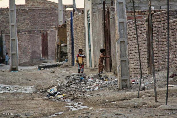 استاندار سیستان و بلوچستان: حاشیهنشینان زاهدان از هیچ حقوقی برخوردار نیستند.