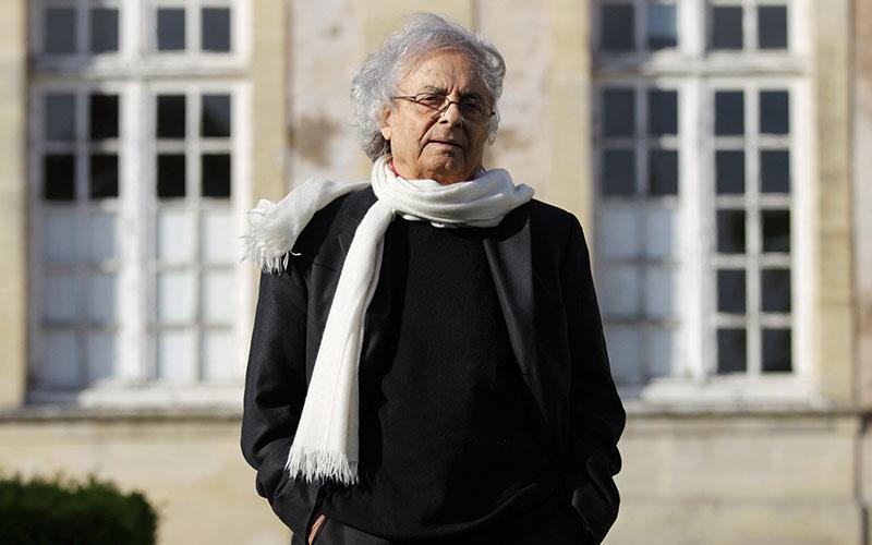 چه کسی نوبل ادبیات ۲۰۱۶ را به خانه میبرد؟