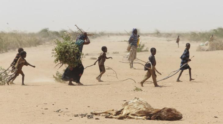 گرمایش زمین تا سال ۲۰۳۰ بیش از ۱۲۲ میلیون نفر را به فقر مطلق خواهد کشاند