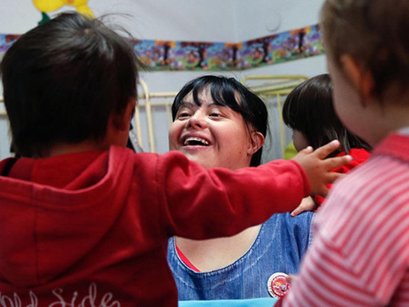 زن آرژانتینی اولین مربی مهدکودک با سندروم داون