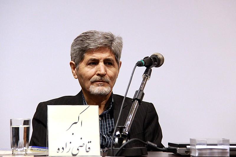 علیاکبر قاضیزاده: خبرنگاران را شلاق میزنند که قلم را زمین بگذارند