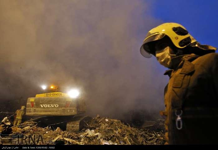 توبیخ آتشنشانان به جای پاسخ به مطالبات