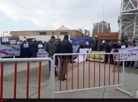 تجمع کارکنان ثامنالحجج مقابل مجلس، ادامه تجمع در مهاباد