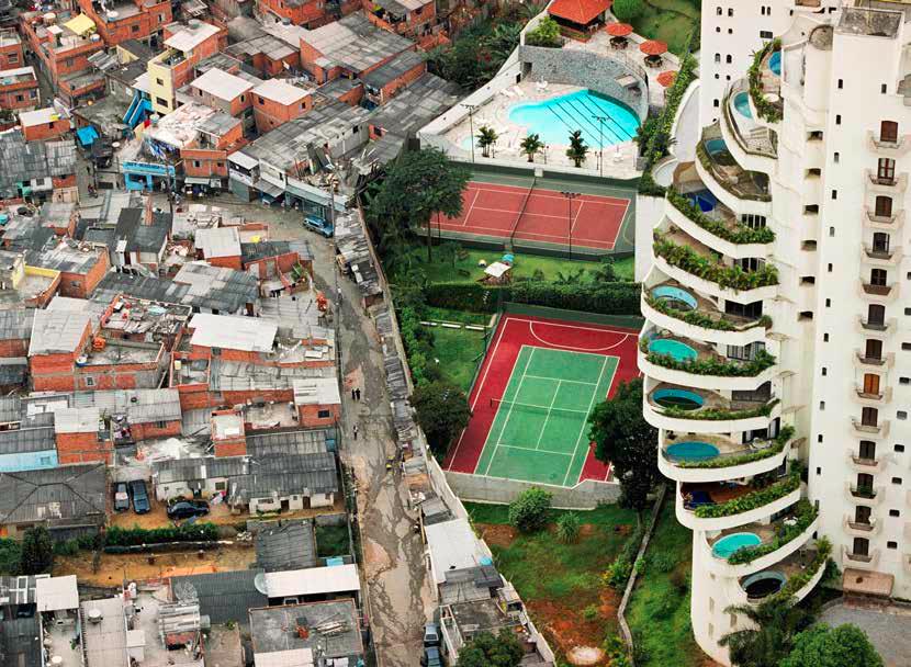 ثروت هشت ثروتمند اول دنیا معادل دارایی ۵۰٪ جمعیت فقیرتر زمین