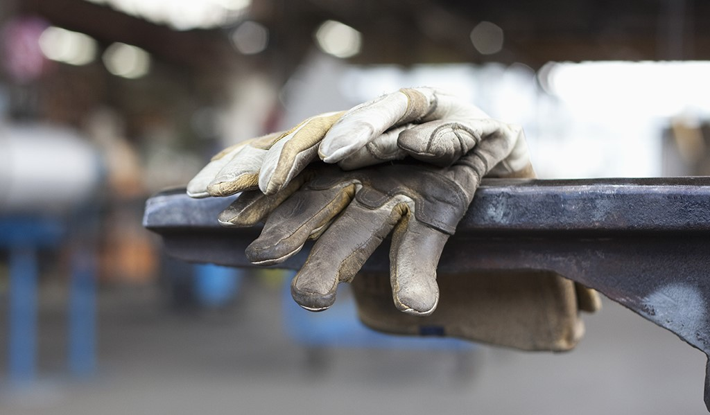 قاچاق دلیل اصلی بیکاری کارگران