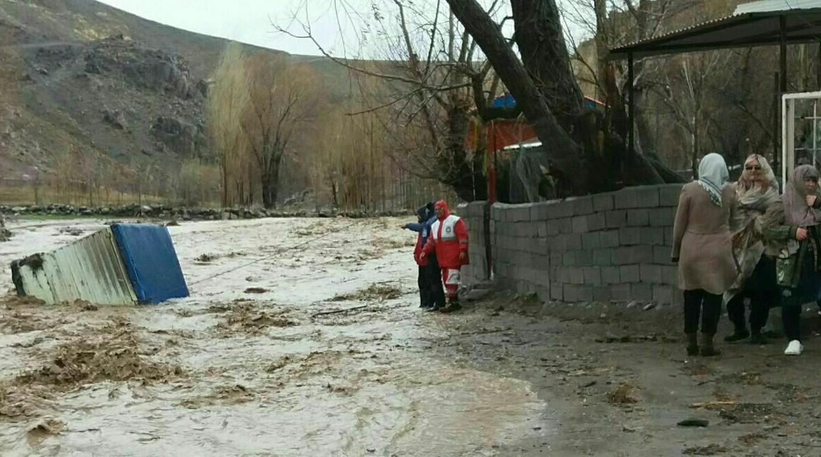 جانباختن ۳۲ نفر در سیل شمالغرب ایران