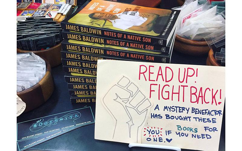 نذز کتاب برای مبارزه با ترامپ
