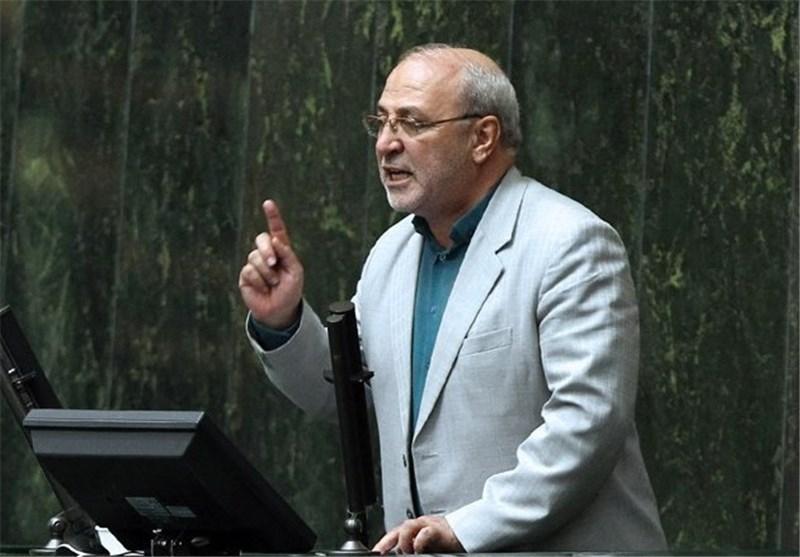 انتقاد از اهدای ادکلن فرانسونی به نمایندگان