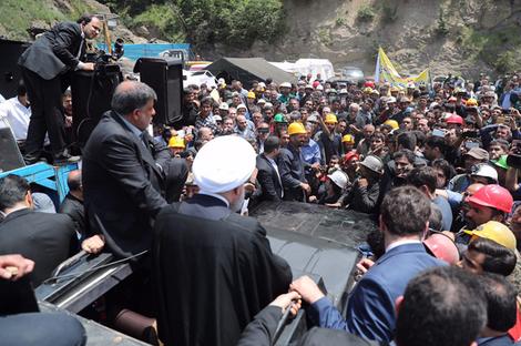 دفن دوباره معدنچیان با سیاست