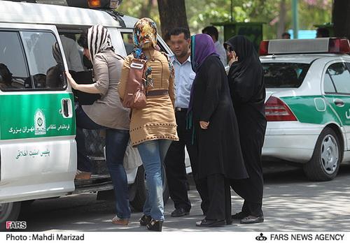 پلیس در مبارزه با بدحجابی ۴۰ درصد فعالتر شده است