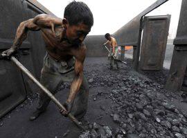کاهش تقاضای جهانی برای زغالسنگ در دومین سال پیاپی