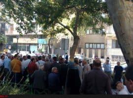 تجمع بازنشستگان فولاد مقابل نهاد ریاستجمهوری