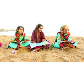 صیادها روی آب کتاب میخوانند