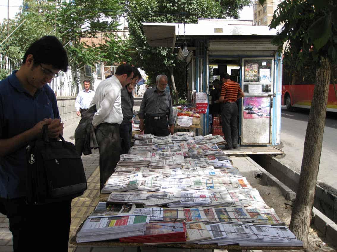 کامبیز نوروزی: نفی استقلال روزنامهنگاری و تحدید آزادی رسانه