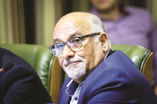 خلیلآبادی: سهمدهی شهردار تهران به جناحهای سیاسی در انتصاب مدیران