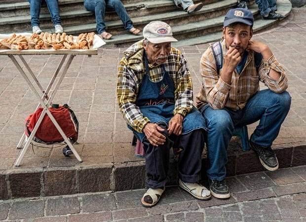 نگاهی به دستفروشان خیابانی سرتاسر جهان