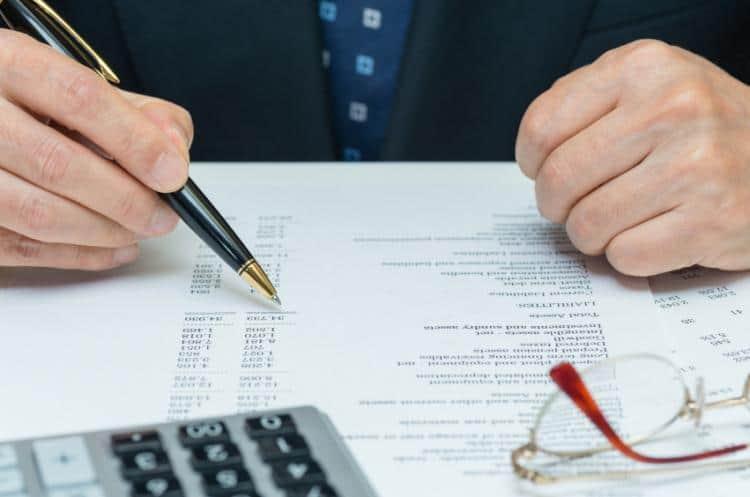 کارمندان دولتی و خصوصی ۲برابر اصناف مالیات میپردازند