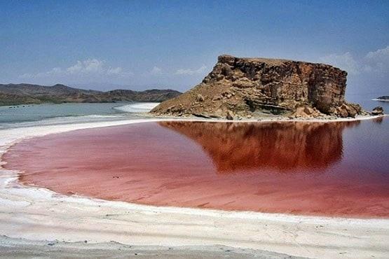 انتقاد از عملکرد «بسیار ضعیف» سازمان محیط زیست درباره دریاچه ارومیه