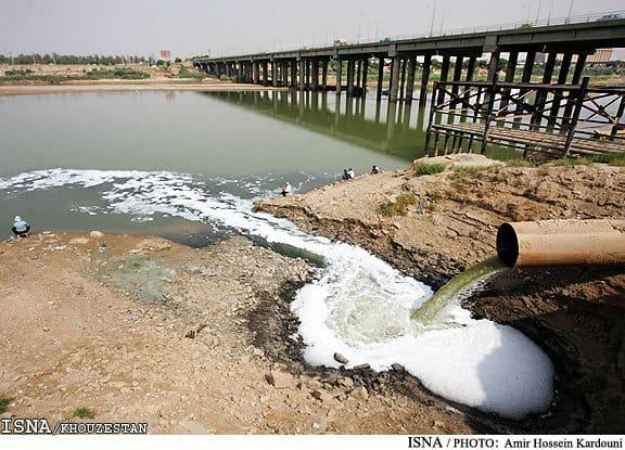 جز فاضلاب آبی در رودخانه کارون نیست
