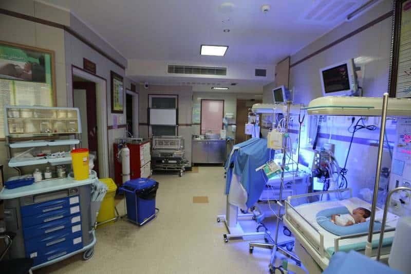 گروگرفتن نوزاد و مادر برای پرداخت هزینههای بیمارستان