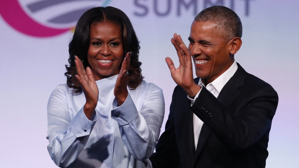 قرارداد باراک و میشل اوباما با نتفلیکس برای ساخت سریال و مستندزمان مطالعه: ۱ دقیقه