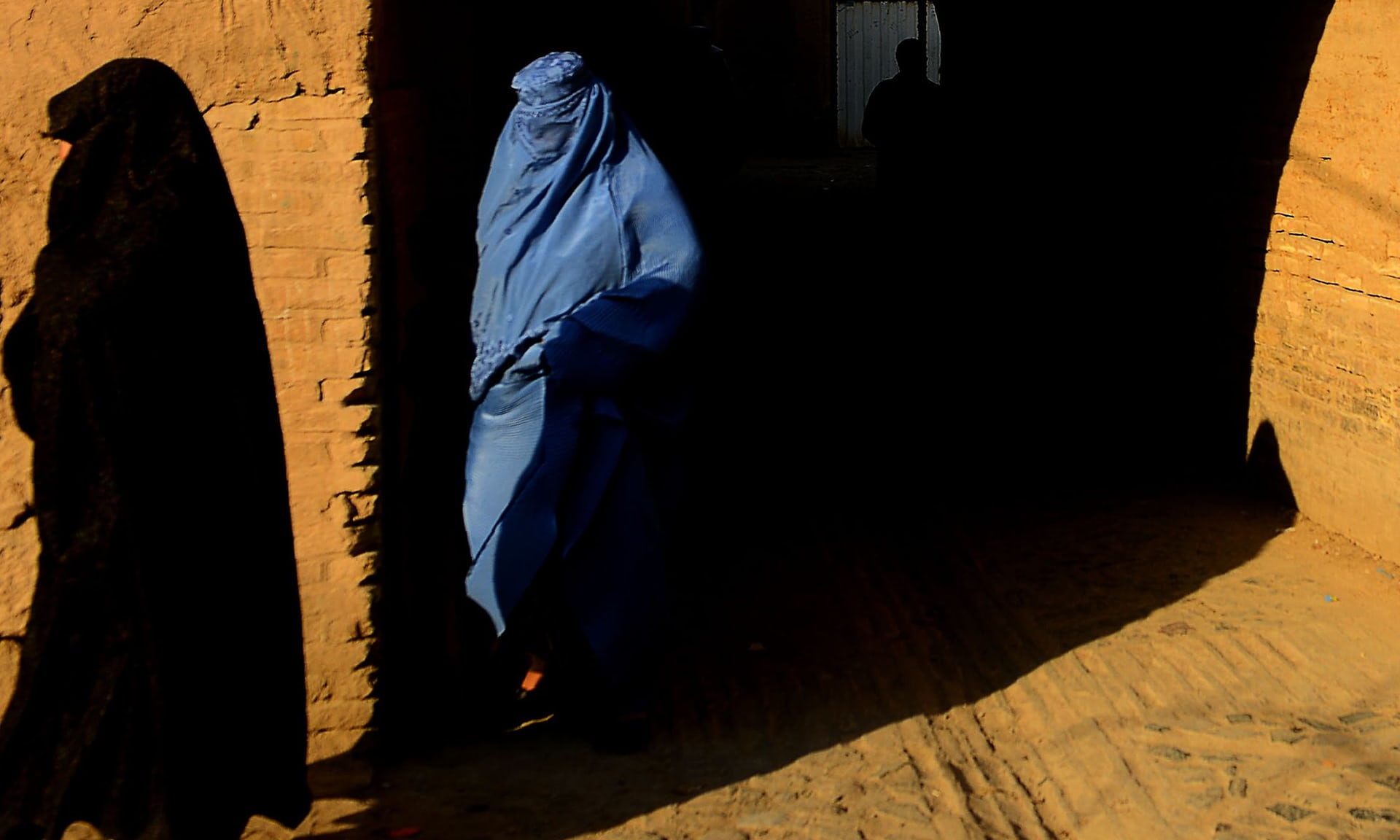 آزمایش بکارت در افغانستان ممنوع میشود