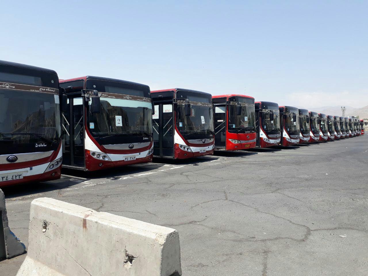 زمینگیرشدن اتوبوسهای شرکت واحد به دلیل کمبود باتری