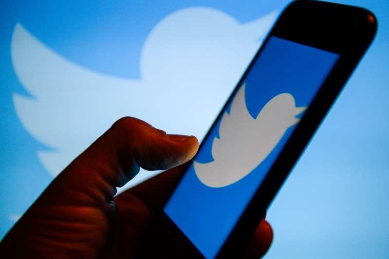 توییتر بیش از ۱۰۰۰۰ حساب کاربری را که رای ندادن را ترویج میکردند مسدود کرد