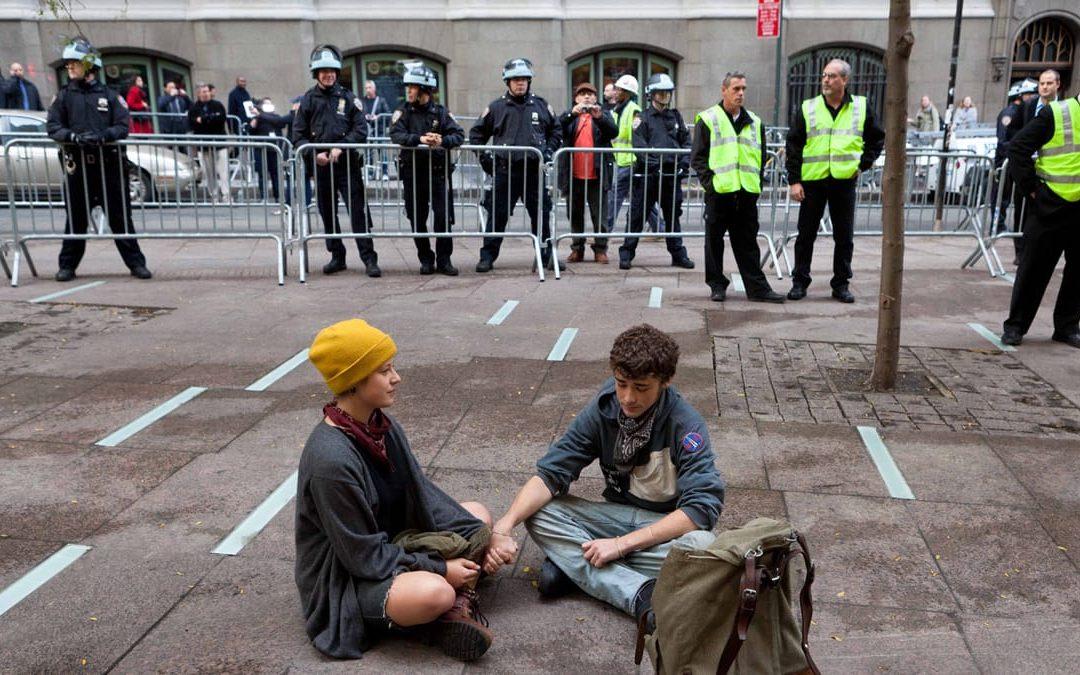 دموکراسی یک فانتزی استزمان مطالعه: 12 دقیقه