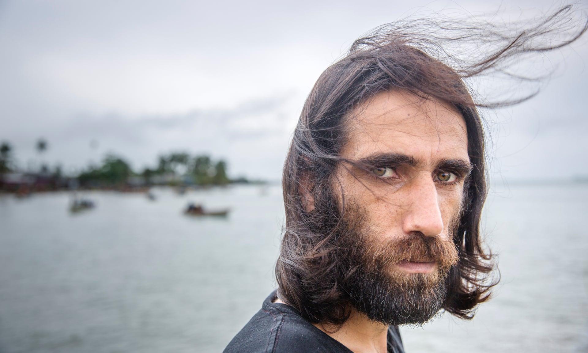 پناهجوی ایرانی برنده گرانترین جایزه ادبی استرالیا شد