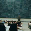 اعضای هیئت علمی دانشگاهها در سال 1398 چقدر حقوق میگیرند؟