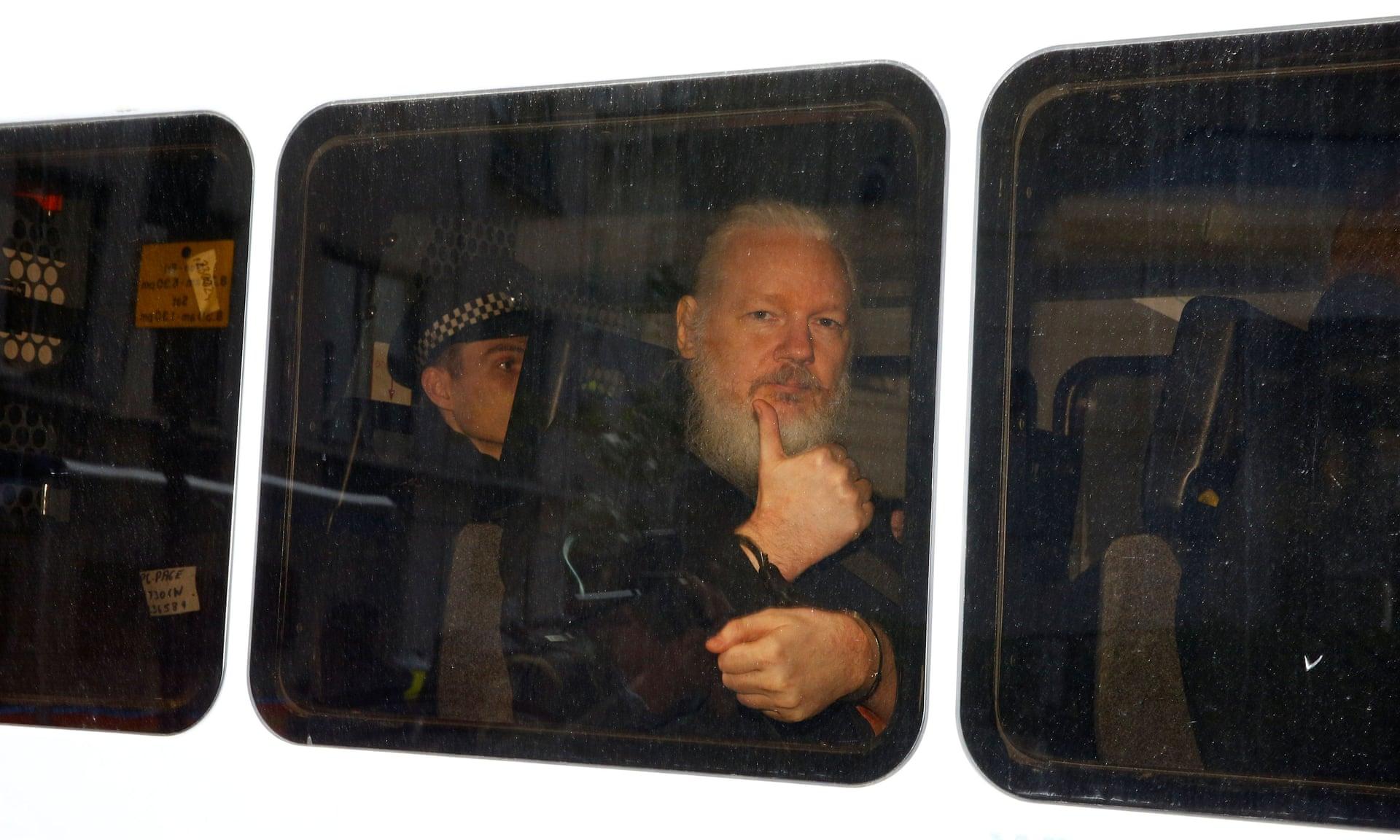 آسانژ؛ از افشا تا بازداشت