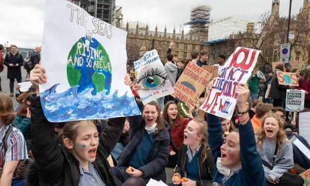 حزب کارگر بریتانیا متعهد شد تا بحران اقلیمی را به برنامه درسی مدارس اضافه کند
