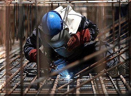 کارگران عراقی میگویند کارگران ایرانی باعث کاهش سطح دستمزدها شدهاند