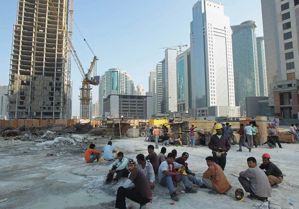 مرگ ۴۴ کارگر نپالی به ازای هر تیم حاضر در جامجهانی قطر